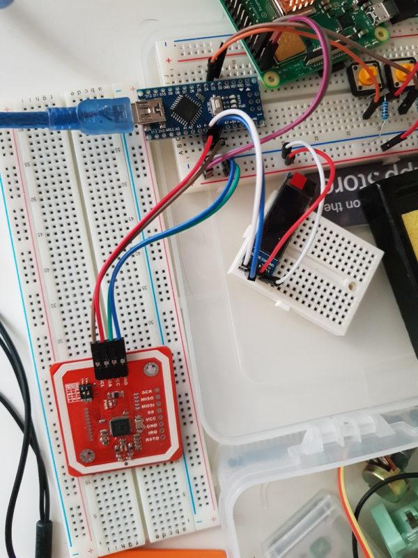 Провода к PN532 подключать над антенной под углом 90°